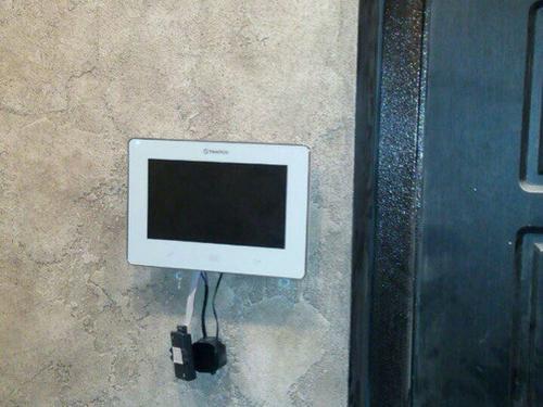 Установка монитора видеодомофона в квартире